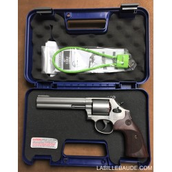SMITH & WESSON INOX MAT MODELE 686 INTERNATIONAL CALIBRE 357 MAGNUM NEUF